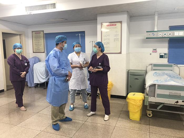 江苏省医院感染质量控制专家组莅临我院检查指导院感工作
